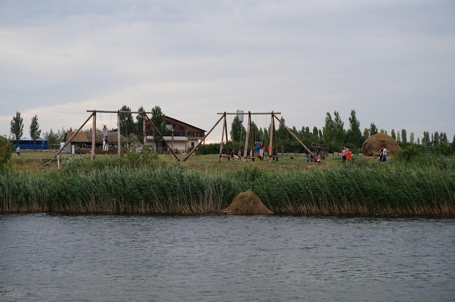 Vanhat kyläkeinut
